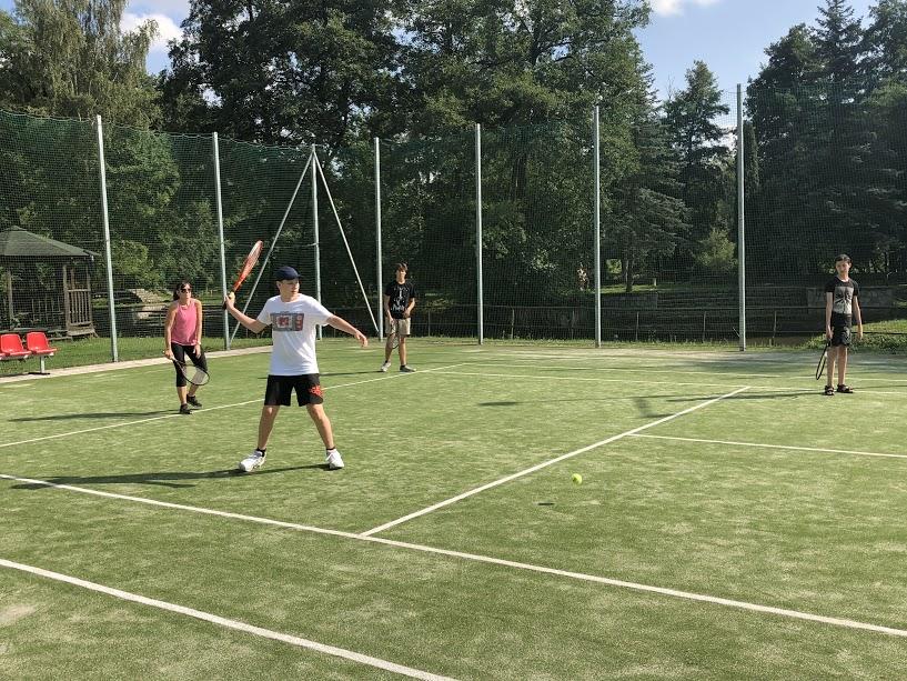 rhonda-tennis.JPG