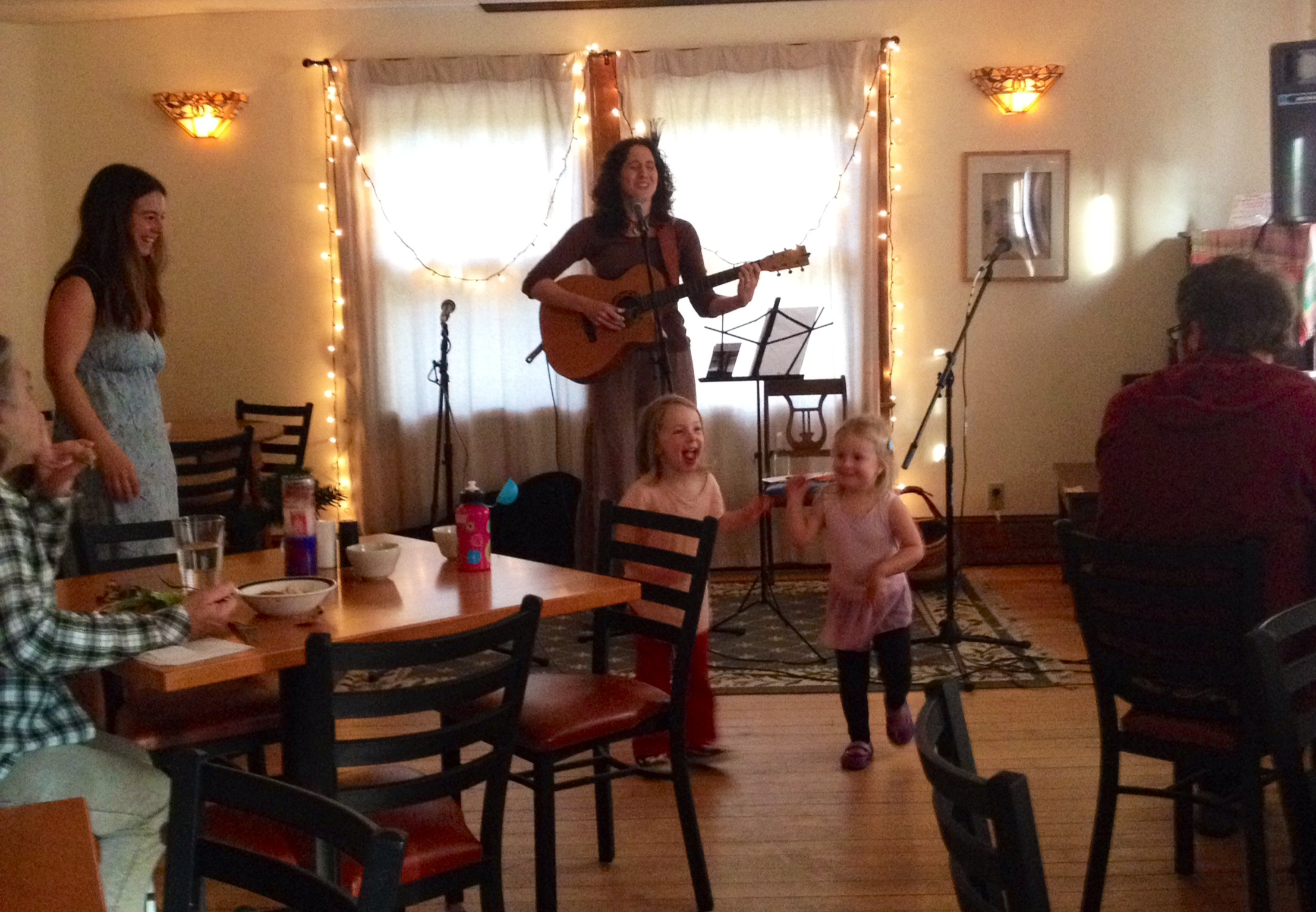Polly Lorien performed at Lucky Candle.  Julia and Opal danced with the music.