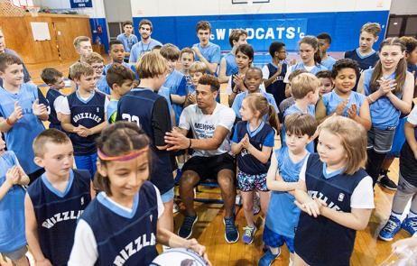 Wade mentoring kids 3.jpg
