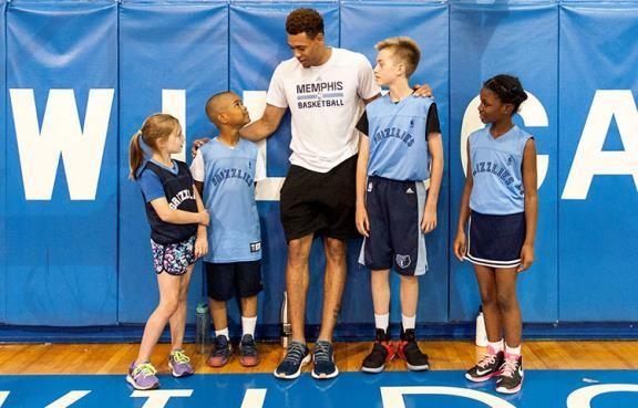 Wade Mentoring kids 7.jpg