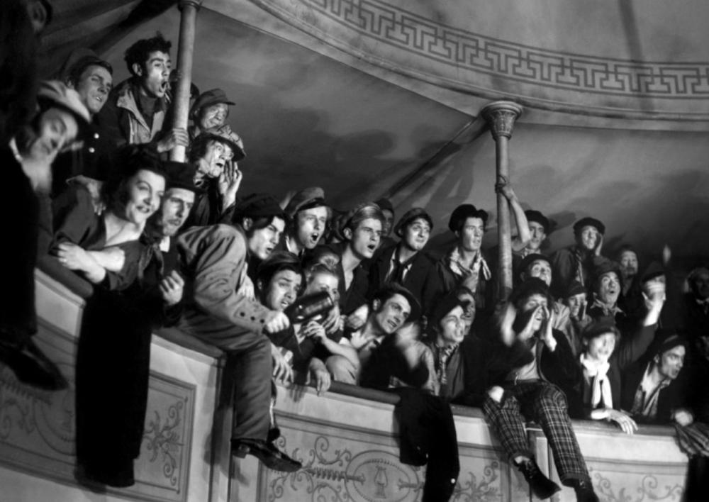 Balcony scene in the movie, children of paradise