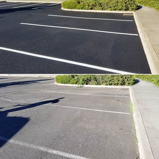 A nice contrast on the lot of a local school! If your asphalt looks like the bottom photo, we can help! . . . . #coveryourasphalt #wemakeasphaltpretty #sealcoat #sealcoating #cracksealing #asphaltsealing #parkinglotmaintenance #standoutfromthecrowd #proffesional #detail #contractorsofinsta #contractor #southernoregon #roguevalley #stateofjefferson #medfordoregon #klamathfalls #grantspass