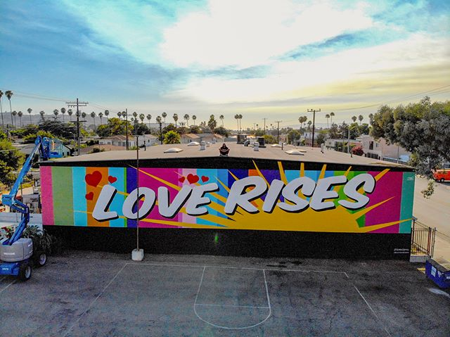 """Love Rises"" - new paintspiration in the heart of LA. Had a lot of fun bringing this piece to life.  A million Thank you(s) to @faithinpix and the entire Hope LA family for entrusting me with your wall, time and this amazing  opportunity. 🙏🏽🙌🏽❤️ 📸 @tylerchurchhaggstrom 📍 3401 Somerset Drive. on Jefferson three blocks west of Crenshaw. ⠀⠀⠀⠀⠀⠀⠀⠀⠀ #rubenrojas #beautifyearth #loverises #lovestreetart #streetart #streetartdaily #losangelesstreetart #impermanentart #inspiration #motivateyourself #love"