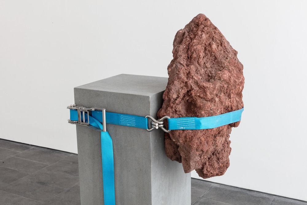 13.  Mecánica de lo inestable , Jose Dávila, 2018. Galería OMR, Mexico City. Image: Enrique Macías. Courtesy of Galería OMR.