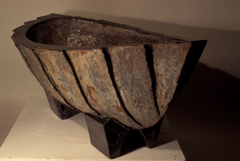 Boat Cauldron with Factes.jpg