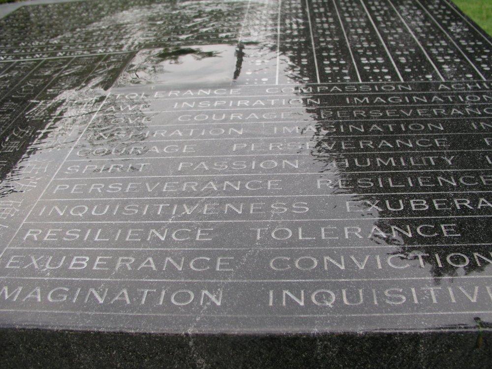 Thayer Fountain - English.jpg