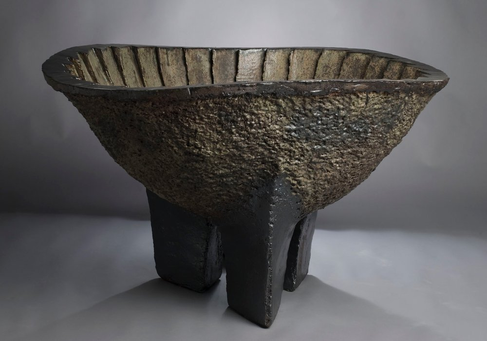Cauldron wuth Three Legs- Amore Pacific Museum of Art Korea.jpg