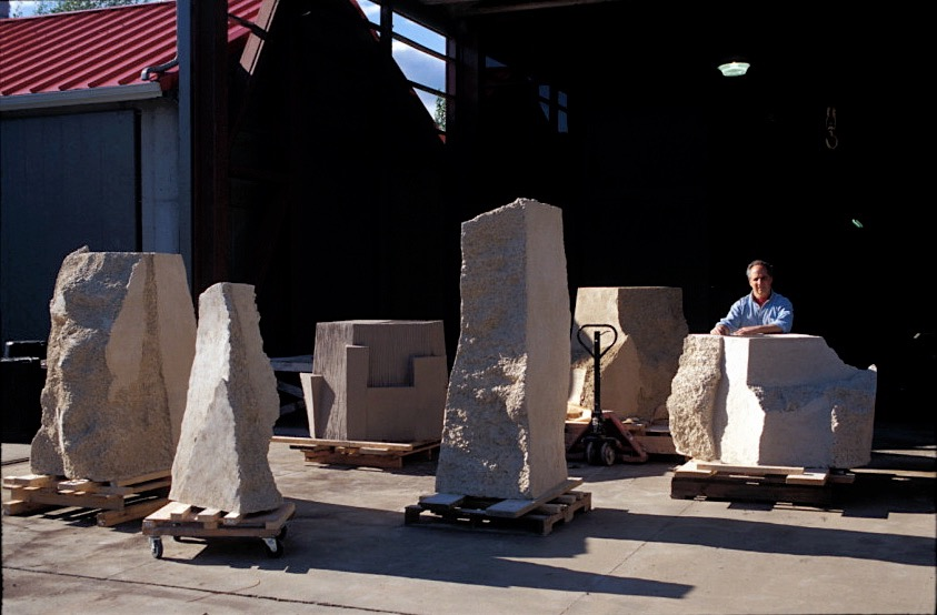 Paul Chaleff with sculpture in Ancram 2002.jpg