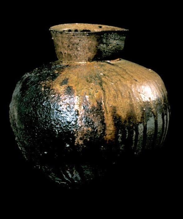 wood-fired jar form 3