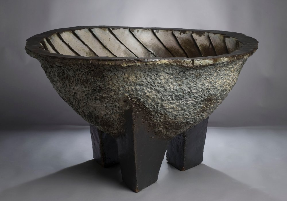 Cauldron with Swirl - Amore Pacific Museum of Art, Korea