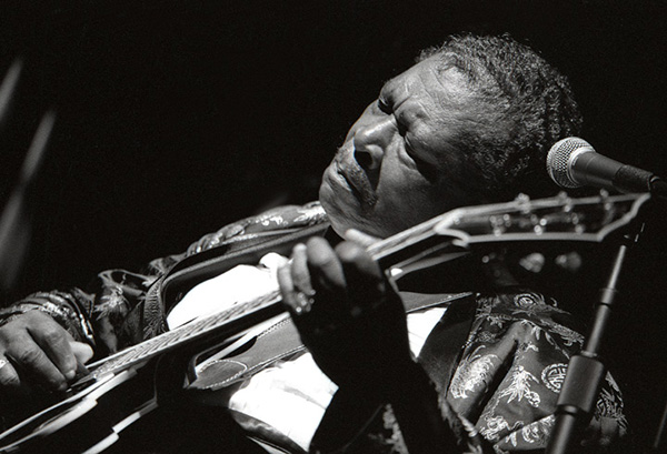 Robert M. Knight  BB King Birthday 2000  Available in 16 x 20 or 30 x 40  Robert M. Knight Photography  Email us for all inquiries: gerard@robertkiddgallery.com