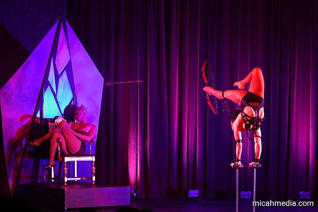 Check out this amazing action shot of @acrobritt in our recent show Obscura! Thank you to all our supporters...hope to see you at our next show!😉 Photos by micahmedia.com #circusshow #circus #corset #costume #contortion #handbalancing #handbalancer #handbalance #bowandarrow #queen #throne