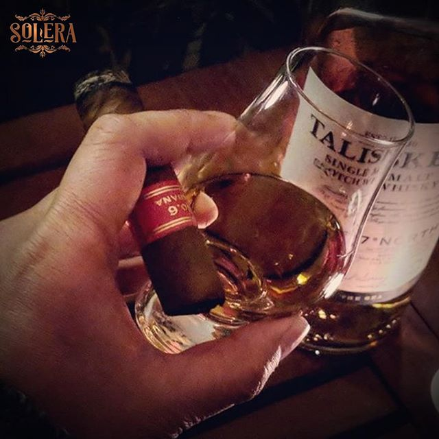 This is what 'Cigar Club Tuesdays' at Solera Bar feels like. Come and join us and enjoy 20% off whiskey, run or Cognac & perhaps enjoy a combination such as this 😉 . . . . . #talisker #cigarandwhiskey #cigarclub #cigarbar #cigars #sydneybars #sydneydrinks #happyhour #barangaroo #whiskeybar #whiskybar
