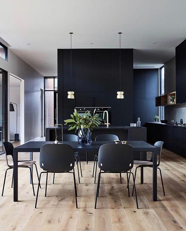 Perfect interior for a wonderful Sunday. . . . . #black #diningroomgoals #interiordesign #sundayfunday #modern #moderninteriordesign