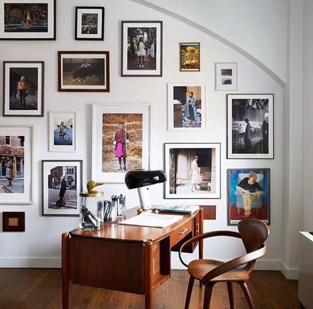 The perfect gallery wall by @55maxlondon to end this amazing Sunday. #gallerywall #interiordesign #inspo