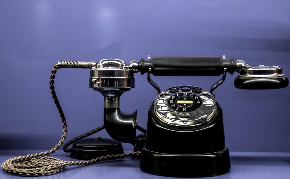 antique-call-communication-35886.jpg