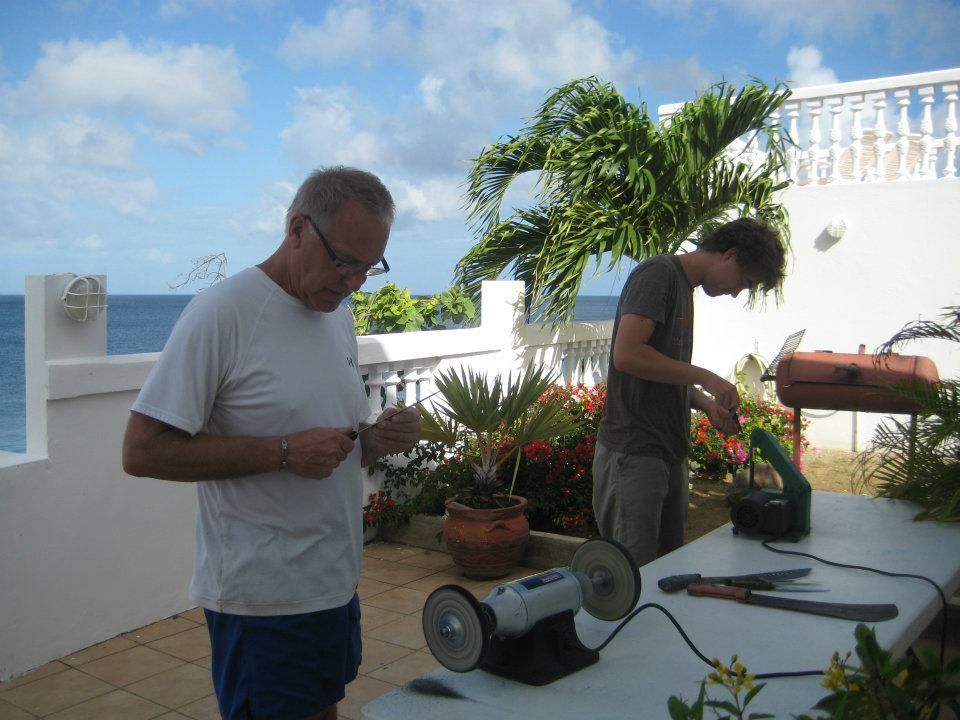 Sharpening for fish, Curacao 2012