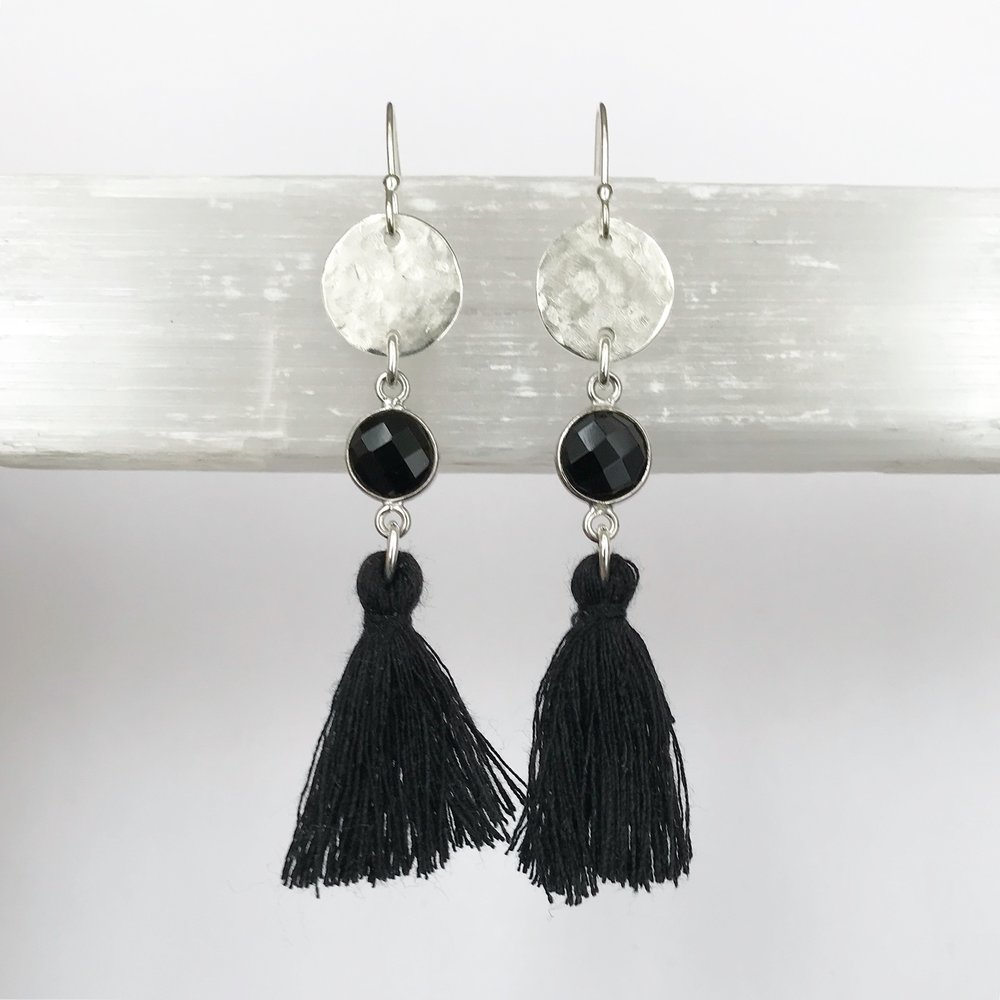 STERLING SILVER + GEM EARRING WORKSHOP-STYLE NO. 8   $110 + HST PER PERSON (MATERIALS INCLUDED)