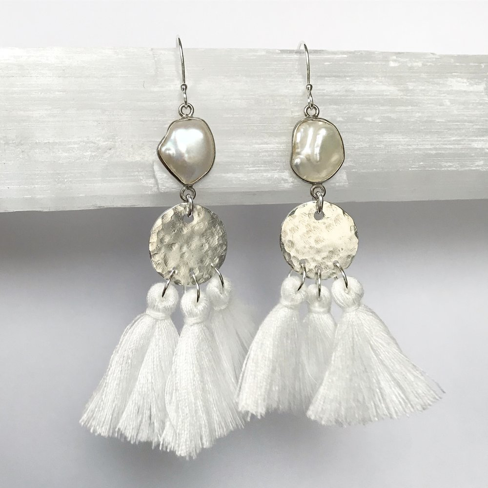STERLING SILVER + PEARL EARRING WORKSHOP-STYLE NO. 9   $125 + HST PER PERSON (MATERIALS INCLUDED)
