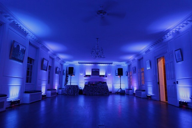 Find out how uplighting can completely change the vibe in a venue. Do it right with Metro DJ Hire. Send us an email to find out more info@metrodj.co.nz