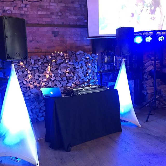 Just finished the setup for a 21st at the Birdcage Tavern, let the night begin 💃🕺