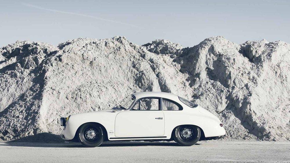 WHITE WALKER - '62 PORSCHE 356