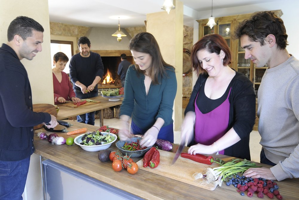 - KITCHEN GARDEN FORAGE & COOKING CLASS