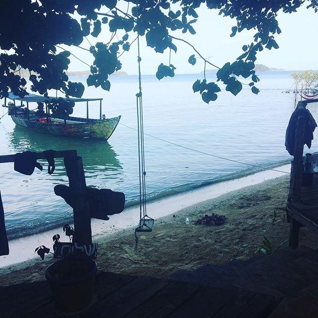 #islandlife 🏝 . . . #lifestylebydesign #southeastasia #goexplore #workabroad #adventureseeker #workexploretravel #timeforachange #travel #travelling #roamtheplanet #worldtraveller #lovetotravel #asia #vietnam #instatravel #wanderlust #gapyear #wanderer #travelphotography #bestoftheday #eslteacher #esl #teachinasia #20hourworkweek #tefl #roadlesstravelled