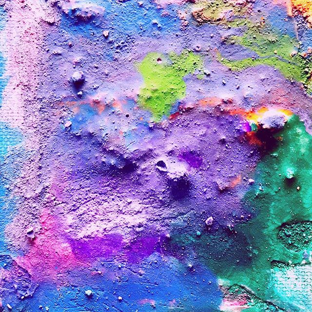 Our preschoolers enjoyed making these textured acrylic paintings so much! Having the freedom to choose canvas size, textures and colors allows little ones to show you what their imaginations do! We love this project so much! #preschool #acrylic #canvas #milwaukee #painting #purple #brookfieldwi #childrensart #artteacher #artistsoninstagram #creativearts