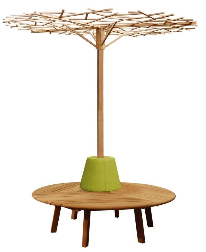 """DEESAWAT – mesa para área externa com """"guarda-sol""""."""
