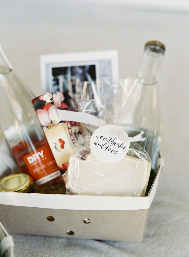 Diy Hotel Welcome Bags To Make Your Guests Smile Stylish Occasions