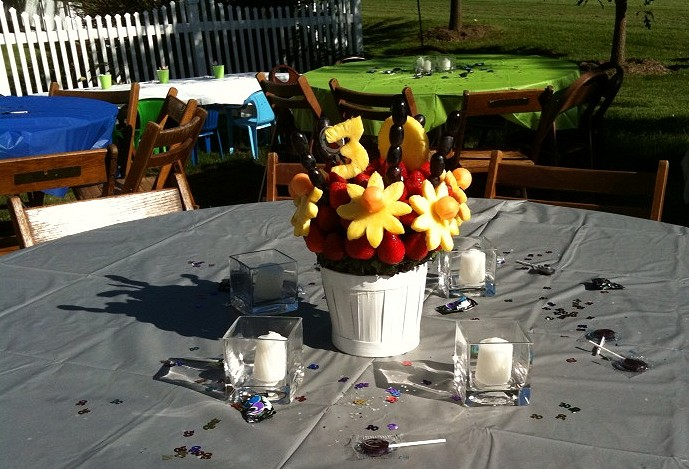 We used the birthday boy's favorite colors for the table cloths.