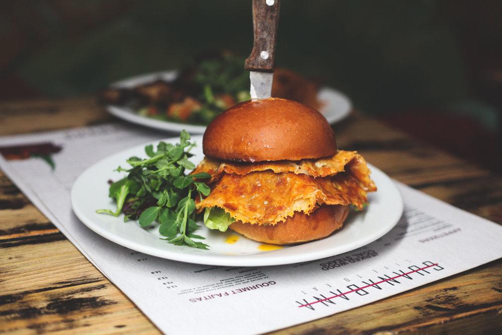 burger-guanabana-restaurant.jpg