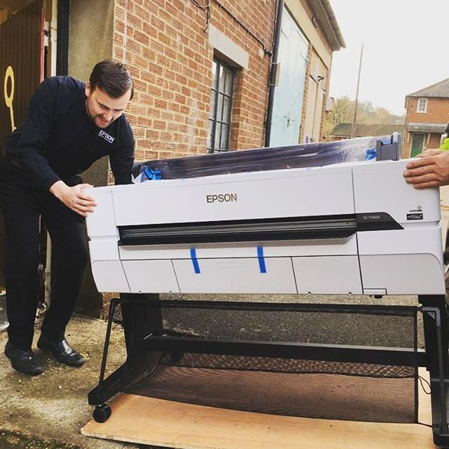 Huge thank you @epsonuk for donating a brand new SC-T5400 to D-Lab and sending print guru Phil to get us set up. If you need to print BIG we're the place to be - perfect for designers, architects, and artists. . . #dlab #workmakelearn #berkhamsted #plotter #printer #unboxing #bigprints #coworking #cic #community #coworking #epson #epsonprinter #printing