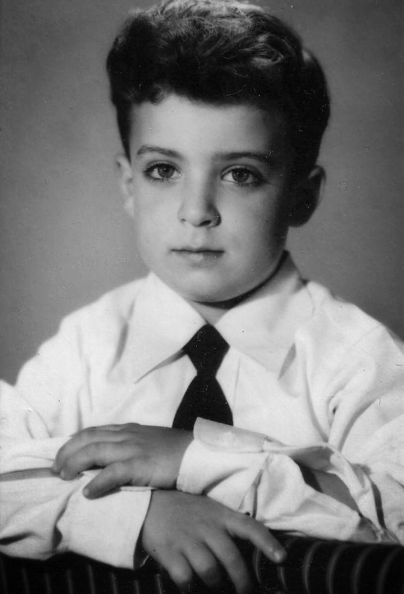Tony Kahn in LA 1950.jpg