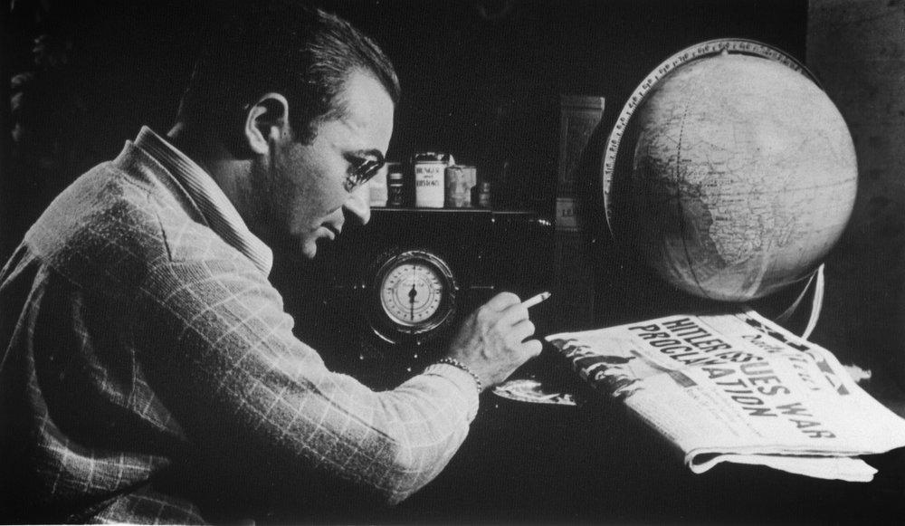 Gordon Kahn 1942.jpg
