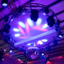 Circle-Truss-with-Spandex-Screen-1.jpg