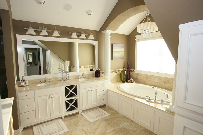 Craftsman Addition Master Bath 2.jpg