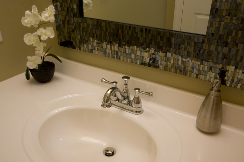 23 Hall Bath Detail Mosaic Glass Mirror.jpg