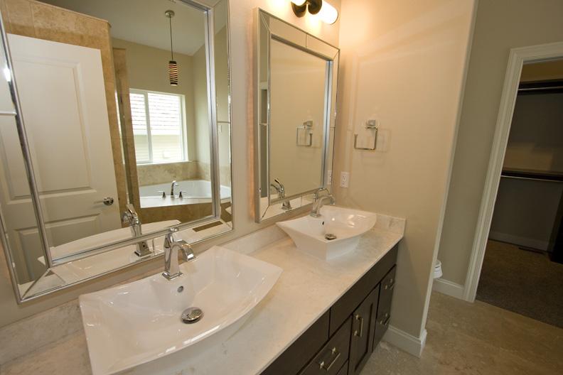 29 Metropolitan Bath Vanity.jpg