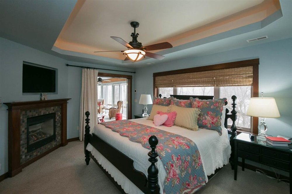2114 Dempster Master Bedroom.jpg