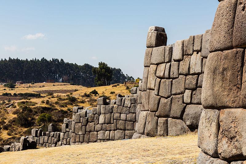 Sacsayhuamán,_Cusco,_Perú,_2015-07-31,_DD_36.JPG