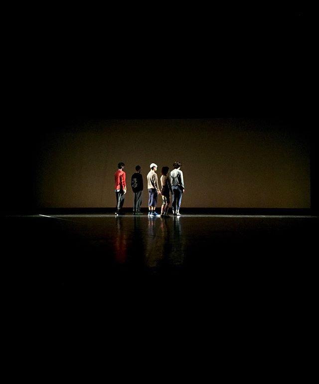 """""""Fuga sem fim"""" de Victor Hugo Pontes a partir de uma ideia de João Paulo Serafim, hoje 21:30 no CCVF em Guimarães .  #nomeproprio #victorhugopontes #contemporydance #cinema Guidance #joaopauloserafim #fugasemfim #ccvf #guimaraes"""