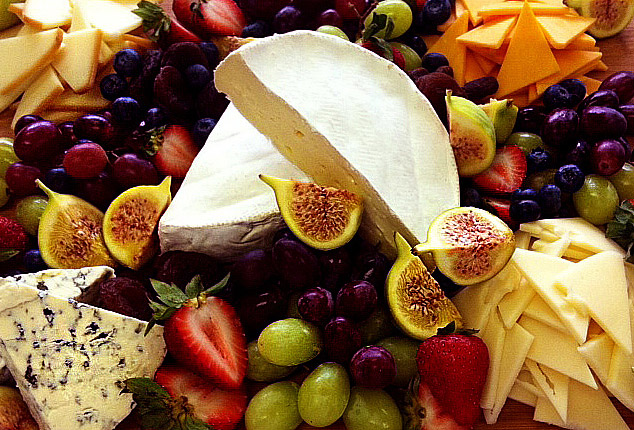 Cheese-and-Fruit-close-up-3_reduced.jpg