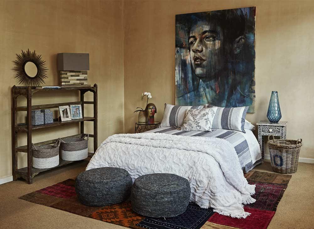 Lucky-Fitsch-bedroom-shelf-linen-decor.jpg