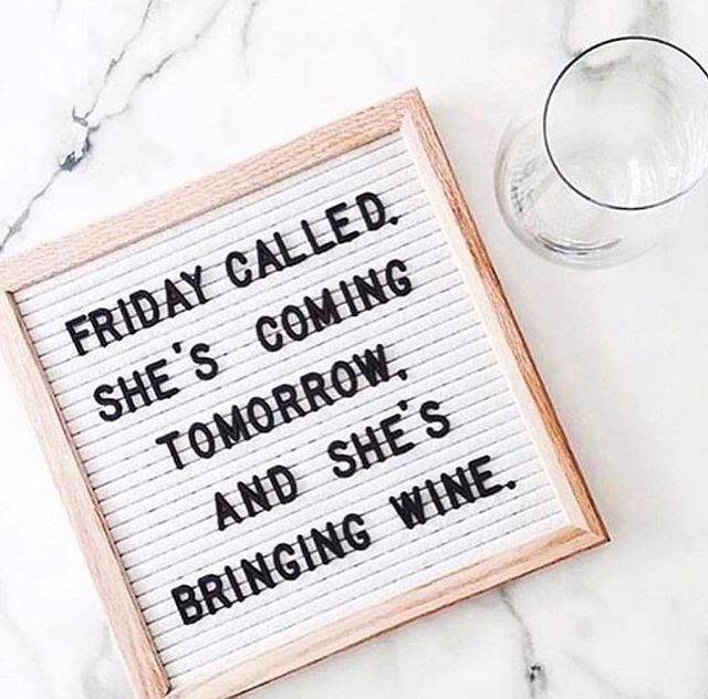 When Friday comes bearing gifts 🙌🏻🍷 #CheersToTheWeekend #GoodFriday #FridayFeels