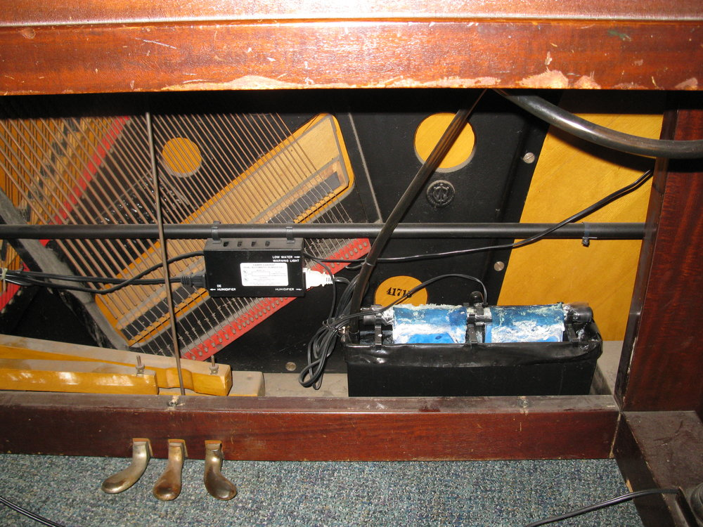 Space Saver (Damp Chaser Unit) for climate control of pianos