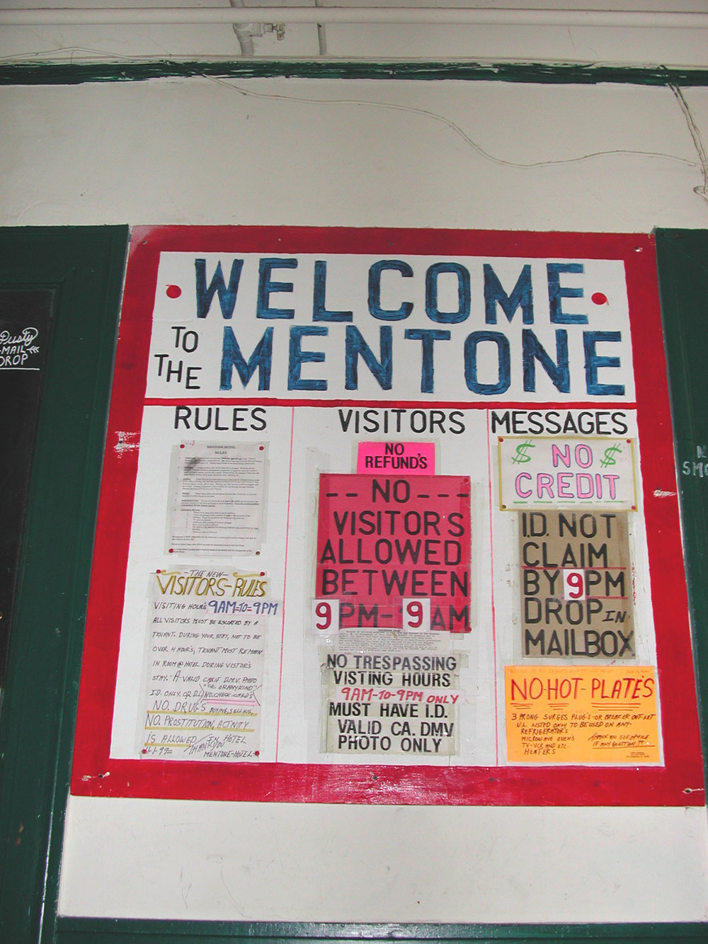 Welcome Mentone sign.jpg