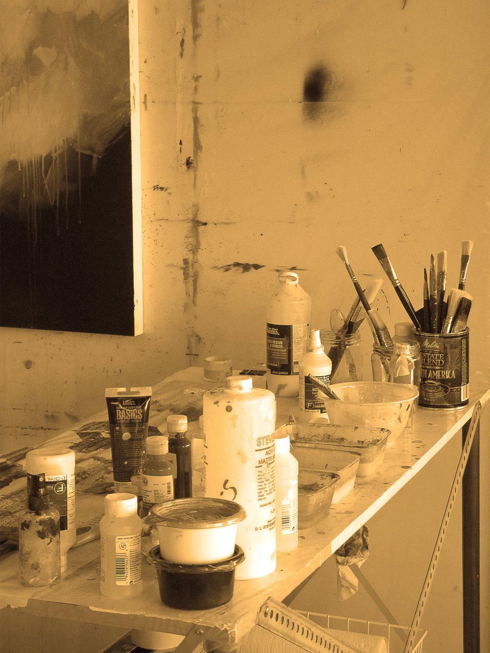 Biographie - Sylvie Adams est une artiste canadienne vivant à Montréal (Québec). Elle est titulaire d'un baccalauréat en beaux-arts de l'Université Concordia. Ses œuvres ont fait l'objet de nombreuses expositions individuelles et de groupes et elle a participé à maintes foires internationales d'art contemporain – aux États-Unis, en Europe et en Asie.Sélectionnée par la commissaire et directrice de Art Wynwood pour participer à une exposition en l'honneur de Shepard Fairey (auteur de l'affiche « Hope » d'Obama) à Miami en 2017, son travail a aussi été remarqué par les journalistes et critiques du Blouin Art Info et Artnet News, lors de l'exposition Art New-York en 2016 et 2017. Sylvie Adams vit et travaille à Montréal.Ses œuvres font également partie de collections privées et corporatives, dont les collections de Rio Tinto Alcan et Norwegian Cruise Line.