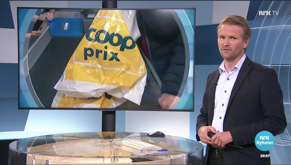 NRK Distriktsnyheter Sørlandet stiller spørsmålet om papirposer egentlig er mer miljøvennlige enn plastposer. (Faksimile nrk.no)
